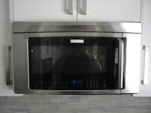 ELECTROLUX MICROWAVE FAN LIGHT ABOVE THE RANGE STAINLESS STEEL