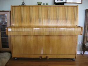 IRMBACH PIANO