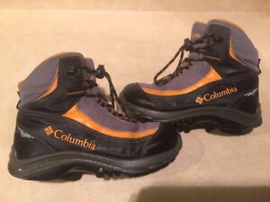 Youth Columbia Waterproof Winter Boots Size 1 London Ontario image 1