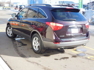 2008 Hyundai Veracruz SUV/AWD 7 seater new ice/tires w/studs