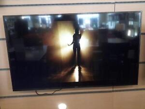 "*** NEW *** SAMSUNG SAMSUNG 55"" 4K UHD LED TV   S/N:3CBH301131   #STORE528"