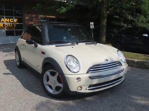 2005 MINI Mini Cooper Leather,Panoramic,Heated Seats ,CERT