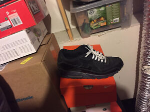 All shoes are real and 10.5 if you see them I still have them