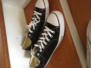 Two pairs on converse all stars