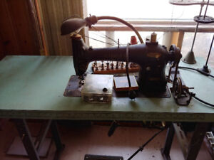 Machine a coudre Singer  Sewing machine