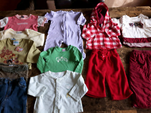 Lot vêtements fille 6 à 12 mois