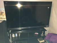 Sony TV.   LCD Bravia KDL 60 in digital in excellent condition