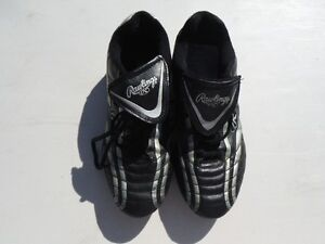 RAWLINGS Size 8 Ladies Cleats