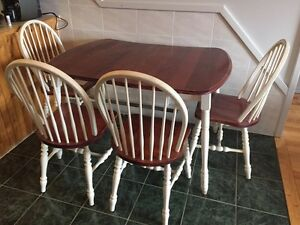 Moving sales! Dinning table set, decent desks and chairs