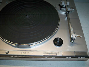 JVC DIRECT DRIVE TURNTABLE-VINTAGE Edmonton Edmonton Area image 3