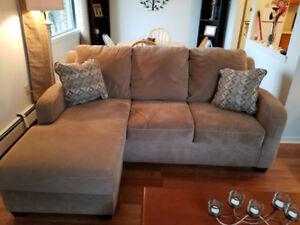 Sectional Couch with reversiable foot stool