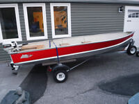 LUND 14 FOOT ALUMINUM BOAT 15 HP JOHSON OUTBOARD AND TRAILER