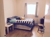 Beautiful Double Bedroom close to Manor House