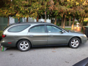 2001 Ford Taurus SE station wagon