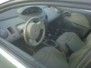 2003 Saturn ION grey Sedan Belleville Belleville Area image 4