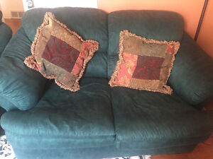 3 piece couch set, very clean