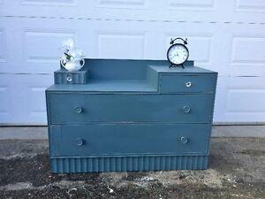 Dresser / Entrance Cabinet