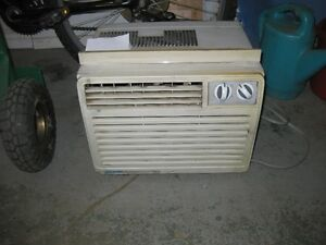 air climatizee ( air conditioner )