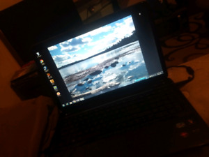 Hp laptop great condition first come first serve need gone asap