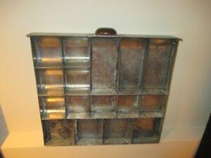 Ancien tiroir en métal