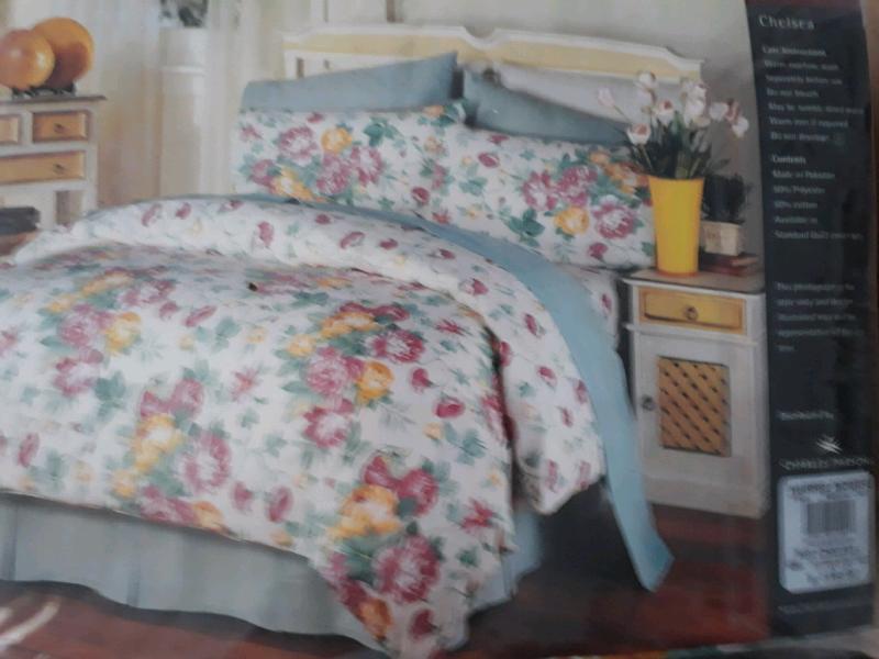 Harris Scarfe Queen Bed Set