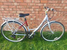 Ladies Raleigh Pioneer Metro LX Hybrid Bike in very good condition