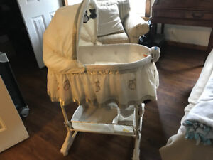 Beautiful Bassinet- Mint Condition- Delivery avail.