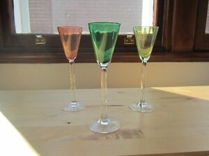 3 verres à liqueur verre coloré VINTAGE 3 colored liquor glasses