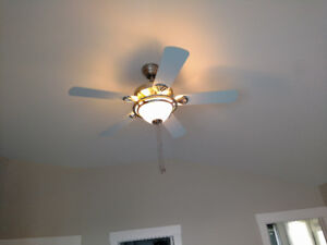 Excellent condition ceiling fan, brushed nickel with white $40