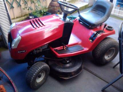 Murray 15.5 HP ⁄ 40 inch Cut Ride on Mower Kensington Norwood Area Preview