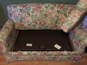 Beautiful floral bed loveseat cotton!