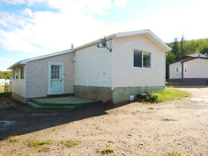 Move In Ready! 3Bbdrm 1 Bath Home for Rent in Peace River!