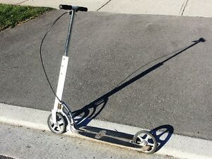SCOOTER, XOOTR