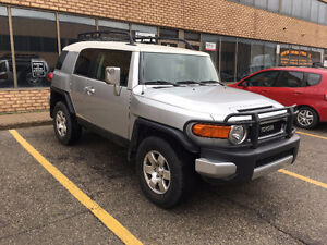 2007 Toyota FJ Cruiser SUV, Extra clean, no accidents