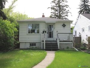 House for sale in Lakeview