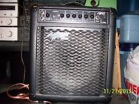 AMPLI POWER AMP DE GUITARE EN TRES BONNE CONDITION