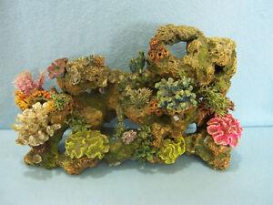 Gros bibelot rocher pour grande aquarium