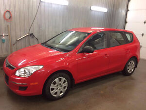 2009 Hyundai Elantra Touring Hatchback - LOW KMs