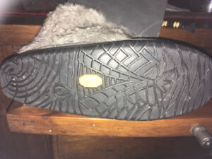 Manitobah Mukluks-Brand new without tags