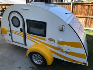 2017 Little Guy Tag Clamshell Camper
