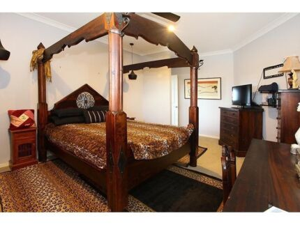 Bedroom suite, traditional European set, free delivery, negotiable