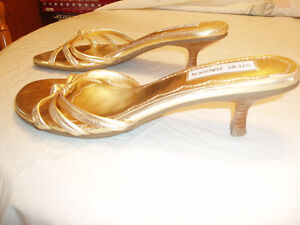 WOMAN'S DRESSY SHOES