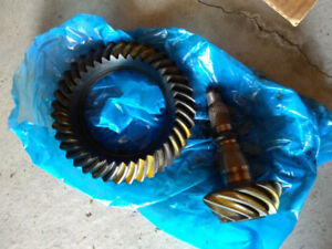 "Dodge RAM Mopar 3.55 ring and pinion 9.25"" ZF"
