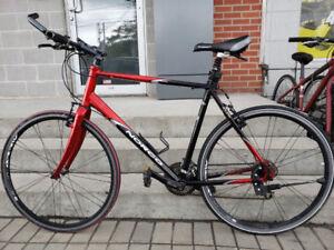 Vélo hybride Norco Tofino de 22 pouces Seulement 399.95$