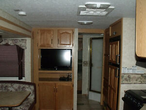 2005 29' Cougar Trailer For sale or Trade for Camper. Prince George British Columbia image 6