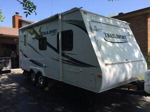 Roulotte hybride R-Vision Trail Sport E19 Hybrid trailer 0 tax