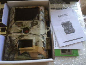 UWAY 8.0mp Digital Scouting Camera with Lock box