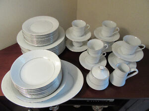 43 Piece setting of Perfect Condition Fine China for sale