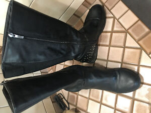 Wide calf boot paid $100 . $50 OBO
