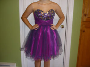 Pretty Junior Prom Grad Dress size 4-5